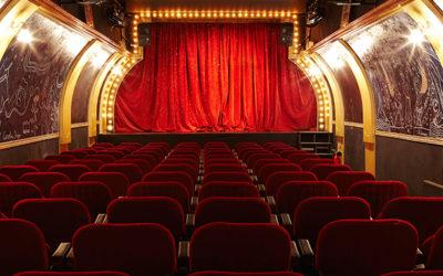 Avec Cléone, les formations ont lieu dans un théâtre puis dans l'entreprise